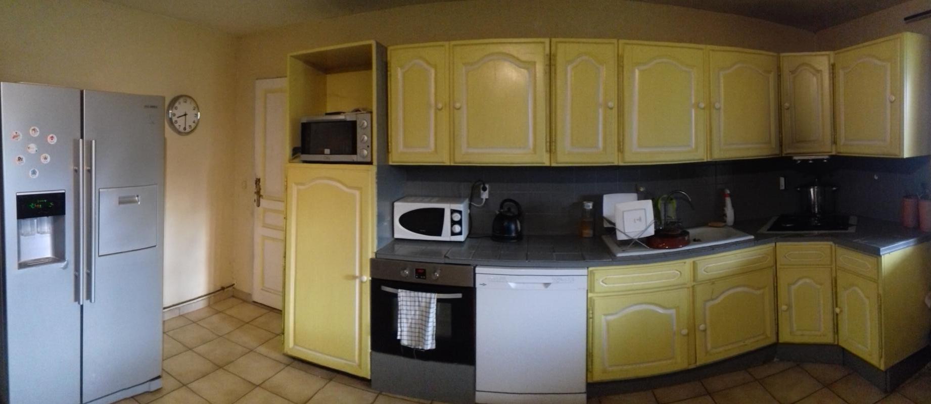Cuisine appartement propriétaire (Rez de chaussée).